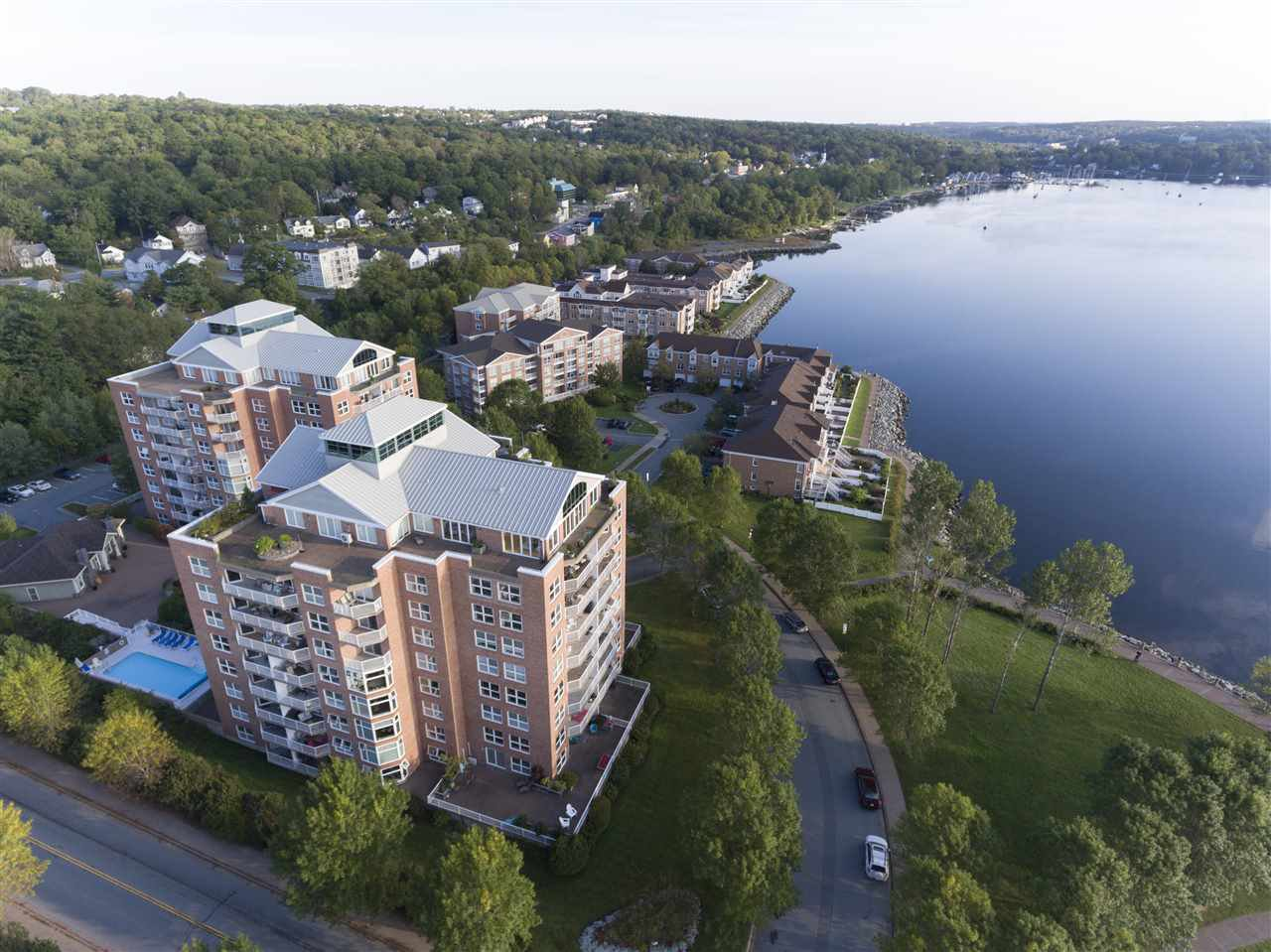 Photo 2: Photos: 205 99 Waterfront Drive in Bedford: 20-Bedford Residential for sale (Halifax-Dartmouth)  : MLS®# 201717264