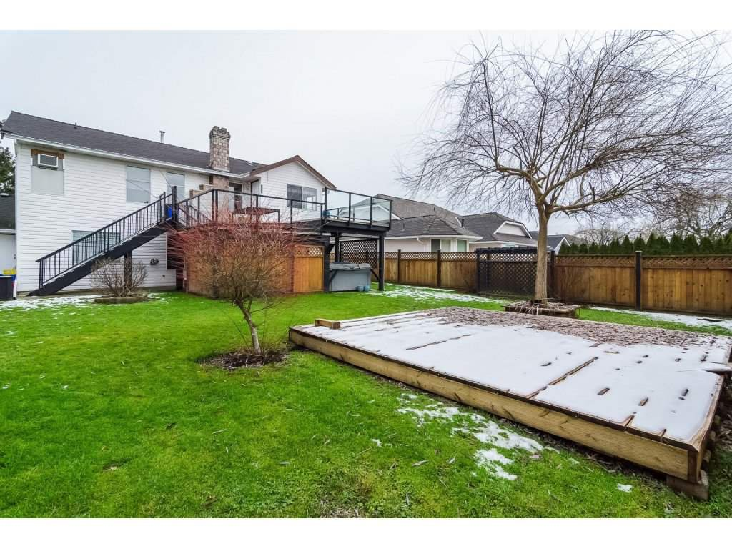"""Photo 19: Photos: 6091 187 Street in Surrey: Cloverdale BC House for sale in """"Eagle Crest"""" (Cloverdale)  : MLS®# R2229624"""