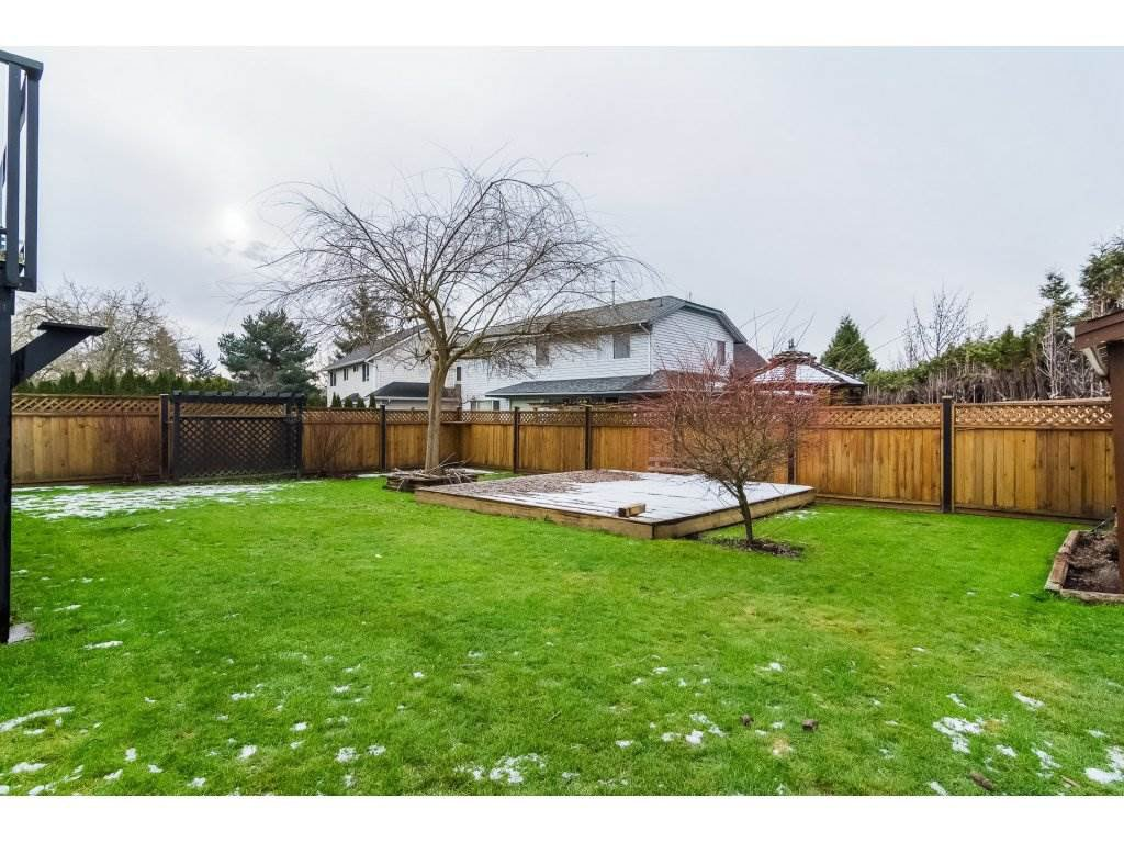 """Photo 20: Photos: 6091 187 Street in Surrey: Cloverdale BC House for sale in """"Eagle Crest"""" (Cloverdale)  : MLS®# R2229624"""