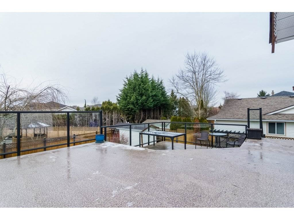 """Photo 2: Photos: 6091 187 Street in Surrey: Cloverdale BC House for sale in """"Eagle Crest"""" (Cloverdale)  : MLS®# R2229624"""