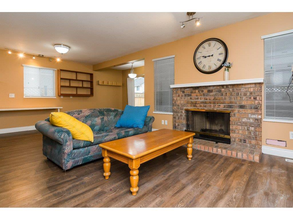 """Photo 18: Photos: 6091 187 Street in Surrey: Cloverdale BC House for sale in """"Eagle Crest"""" (Cloverdale)  : MLS®# R2229624"""