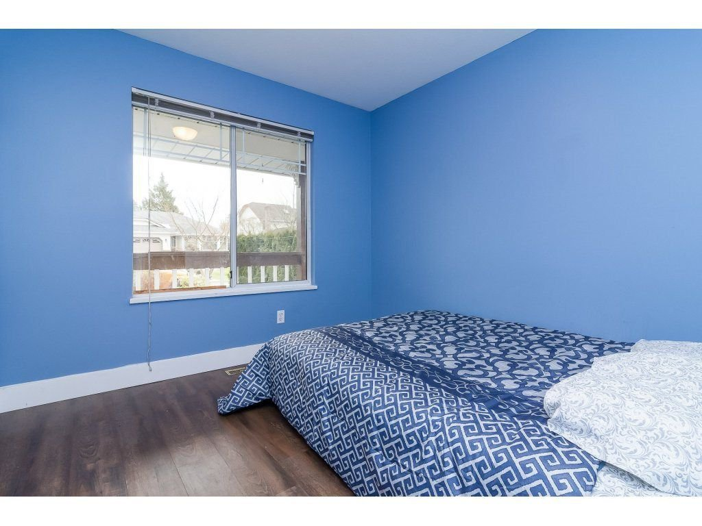 """Photo 16: Photos: 6091 187 Street in Surrey: Cloverdale BC House for sale in """"Eagle Crest"""" (Cloverdale)  : MLS®# R2229624"""