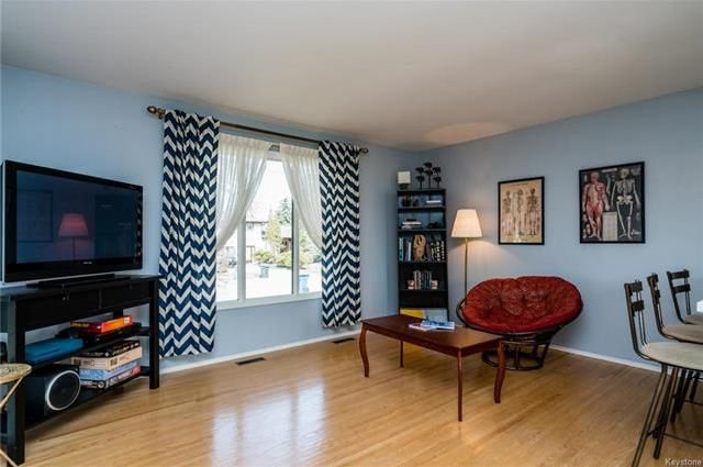 Photo 3: Photos: 605 Cathcart Street in Winnipeg: Charleswood Residential for sale (1G)  : MLS®# 1811653