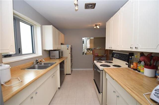 Photo 9: Photos: 1209 246 Roslyn Road in Winnipeg: Osborne Village Condominium for sale (1B)  : MLS®# 1814493