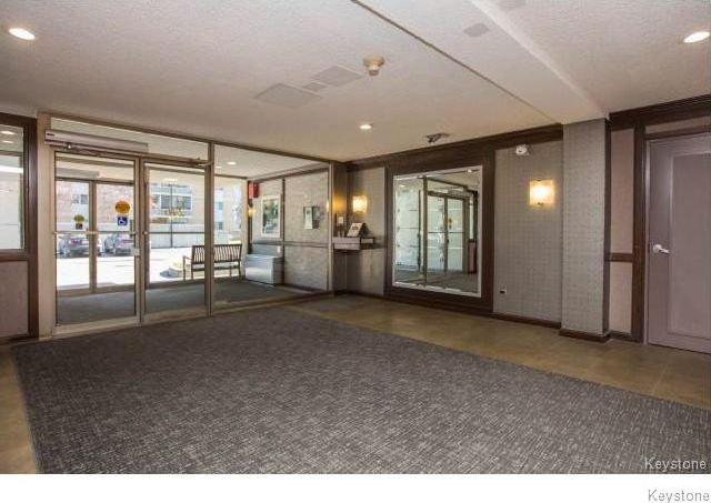 Photo 5: Photos: 1209 246 Roslyn Road in Winnipeg: Osborne Village Condominium for sale (1B)  : MLS®# 1814493