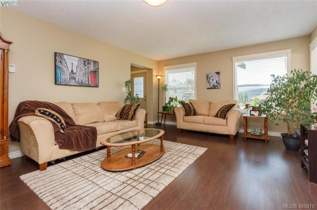 Photo 8: Photos: 1075 Fitzgerald Rd in SHAWNIGAN LAKE: ML Shawnigan House for sale (Malahat & Area)  : MLS®# 793616