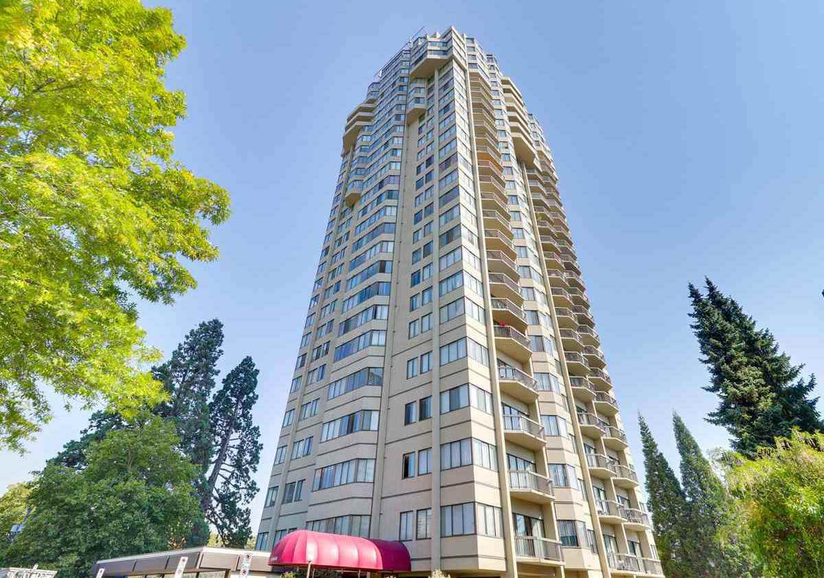 """Main Photo:  in Burnaby: Metrotown Condo for sale in """"BURLINGTON SQUARE"""" (Burnaby South)  : MLS®# R2341081"""