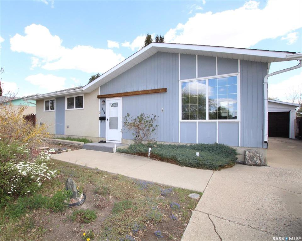 Main Photo: 814 Matheson Drive in Saskatoon: Massey Place Residential for sale : MLS®# SK773540