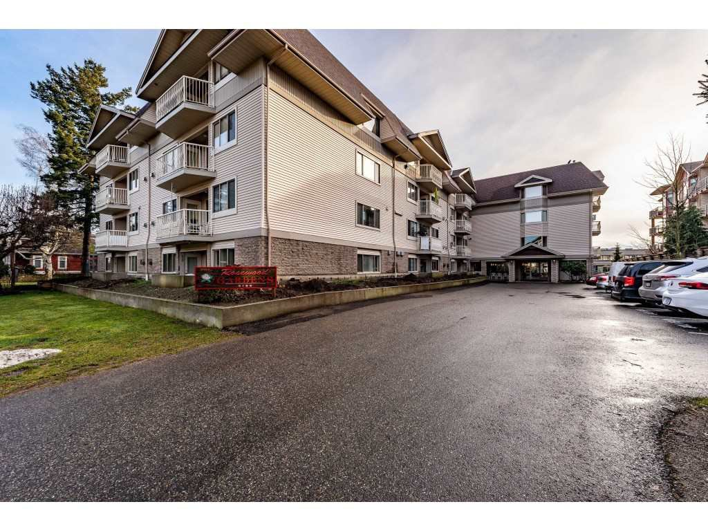 "Main Photo: 412 9186 EDWARD Street in Chilliwack: Chilliwack W Young-Well Condo for sale in ""Rosewood Gardens"" : MLS®# R2432810"
