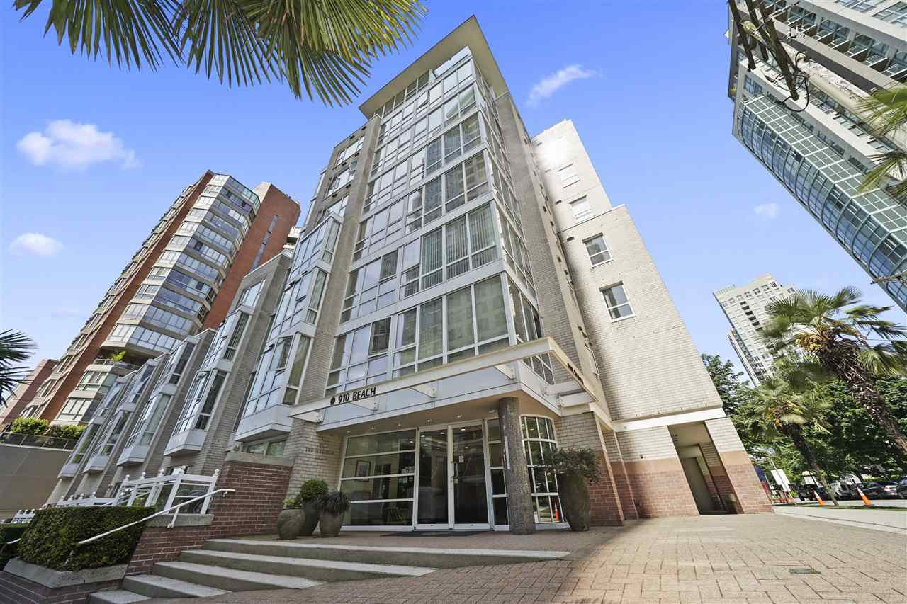 """Main Photo: 305 910 BEACH Avenue in Vancouver: Yaletown Condo for sale in """"THE MERIDIAN"""" (Vancouver West)  : MLS®# R2459632"""