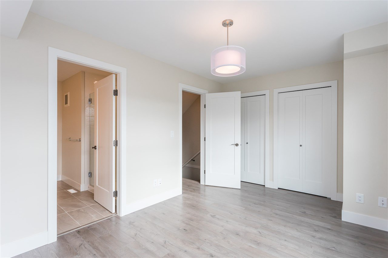 """Photo 20: Photos: 2 36130 WATERLEAF Place in Abbotsford: Abbotsford East Townhouse for sale in """"Vantage South"""" : MLS®# R2471075"""