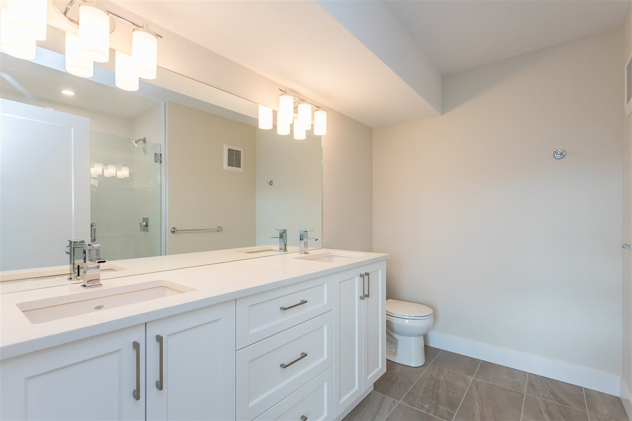 """Photo 22: Photos: 2 36130 WATERLEAF Place in Abbotsford: Abbotsford East Townhouse for sale in """"Vantage South"""" : MLS®# R2471075"""
