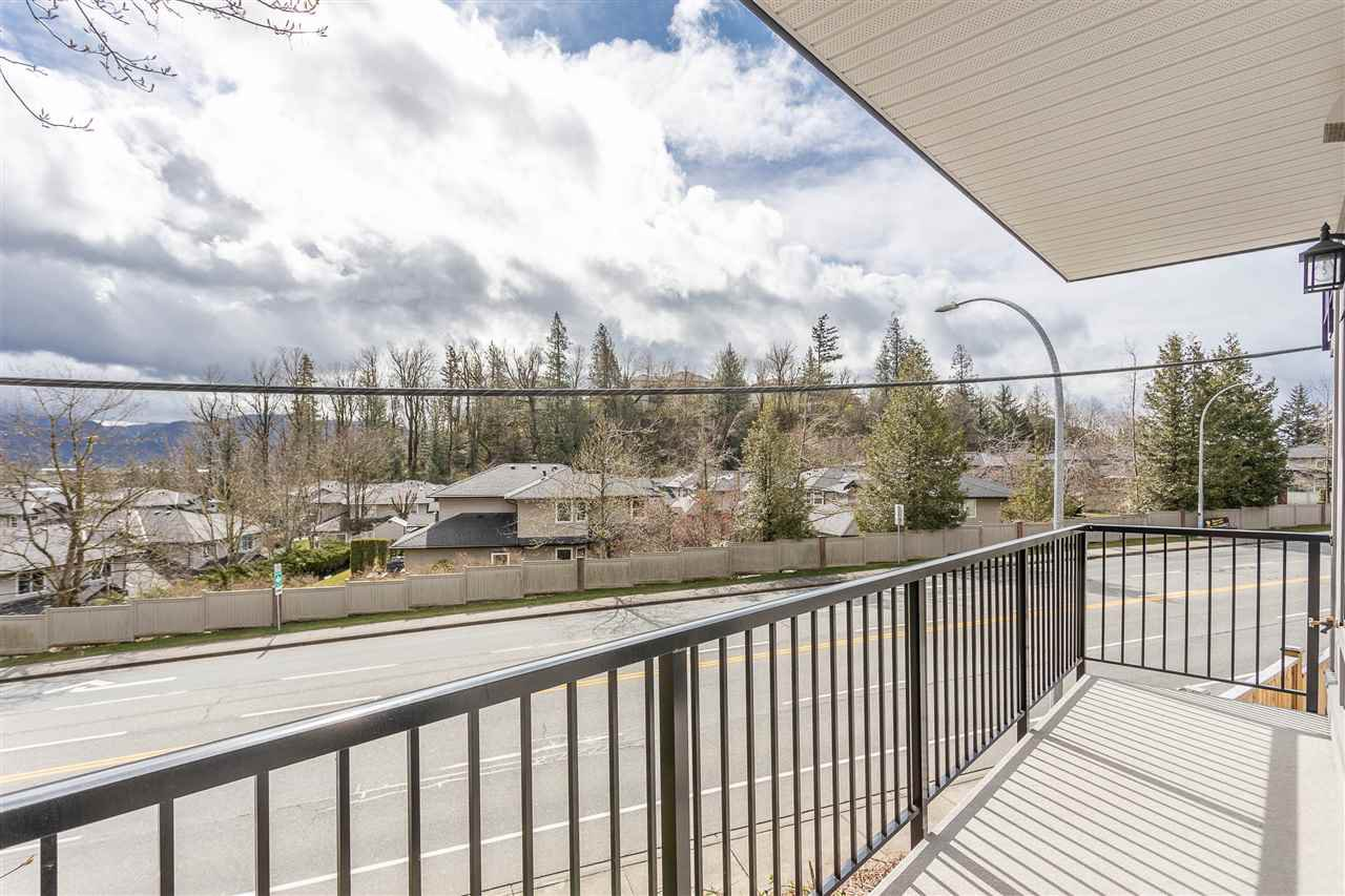 """Photo 36: Photos: 2 36130 WATERLEAF Place in Abbotsford: Abbotsford East Townhouse for sale in """"Vantage South"""" : MLS®# R2471075"""