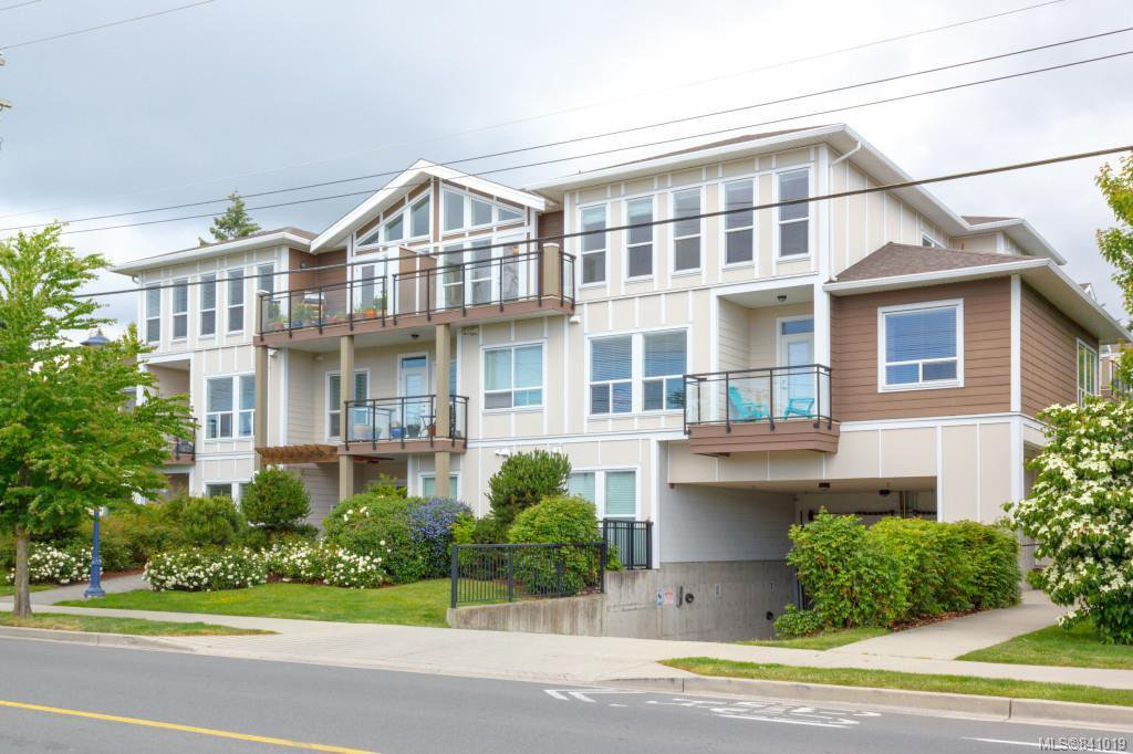 Main Photo: 302 938 Dunford Ave in Langford: La Langford Proper Condo for sale : MLS®# 841019