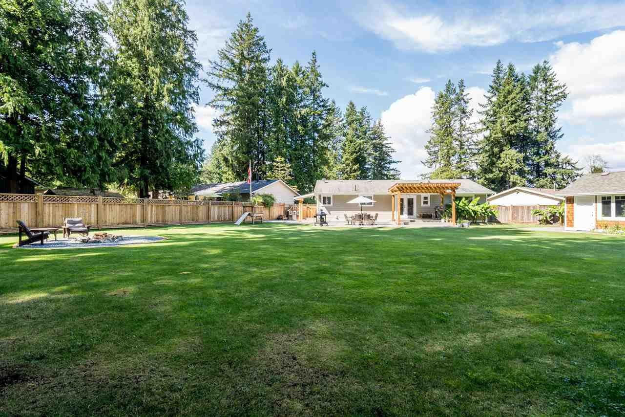 Main Photo: 20062 45A Avenue in Langley: Brookswood Langley House for sale : MLS®# R2496657