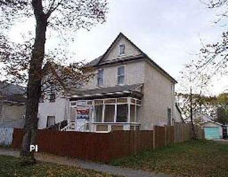 Main Photo: 629 Toronto St.: Residential for sale (West End)  : MLS®# 2617741