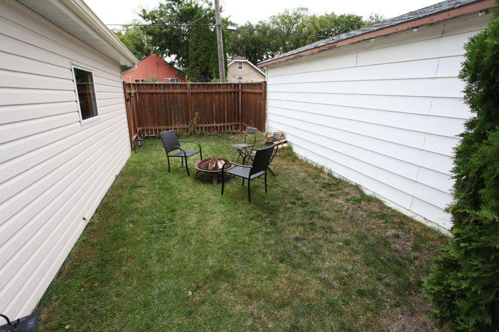 Photo 3: Photos: 970 Dominion Street in WINNIPEG: West End / Wolseley Single Family Detached for sale (West Winnipeg)  : MLS®# 1320863