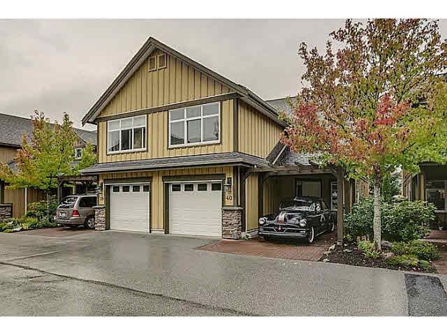 "Main Photo: 40 41050 TANTALUS Road in Squamish: Tantalus House 1/2 Duplex for sale in ""GREENSIDE ESTATES - GARIBALDI ESTATES"" : MLS®# V1086397"