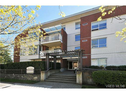 Main Photo: 105 380 Waterfront Cres in VICTORIA: Vi Rock Bay Condo Apartment for sale (Victoria)  : MLS®# 686271