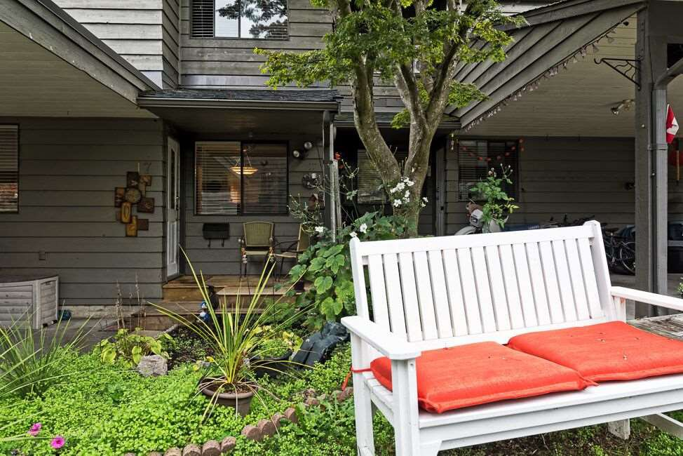 "Main Photo: 17 1960 RUFUS Drive in North Vancouver: Westlynn Townhouse for sale in ""Mountain Estates"" : MLS®# R2011299"