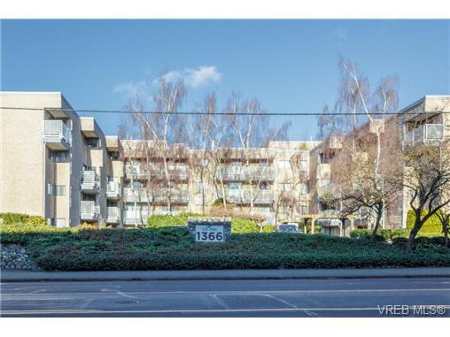 Main Photo: 210 1366 Hillside Avenue in VICTORIA: Vi Oaklands Condo Apartment for sale (Victoria)  : MLS®# 358397