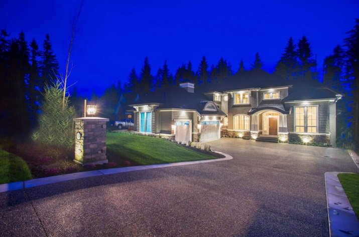 Main Photo: 1054 MAGNOLIA Way: Anmore House for sale (Port Moody)  : MLS®# R2032109