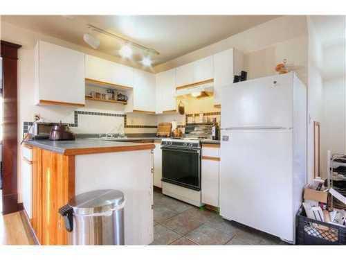 Photo 11: Photos: 2637 PENDER Street E in Vancouver East: Renfrew VE Home for sale ()  : MLS®# V1037356