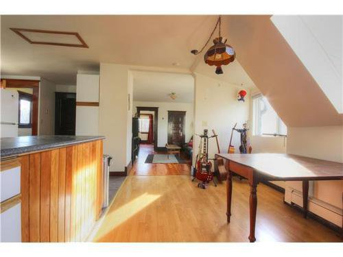 Photo 13: Photos: 2637 PENDER Street E in Vancouver East: Renfrew VE Home for sale ()  : MLS®# V1037356