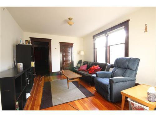 Photo 14: Photos: 2637 PENDER Street E in Vancouver East: Renfrew VE Home for sale ()  : MLS®# V1037356