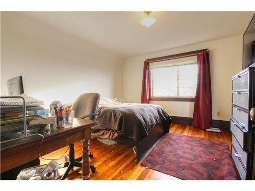 Photo 15: Photos: 2637 PENDER Street E in Vancouver East: Renfrew VE Home for sale ()  : MLS®# V1037356