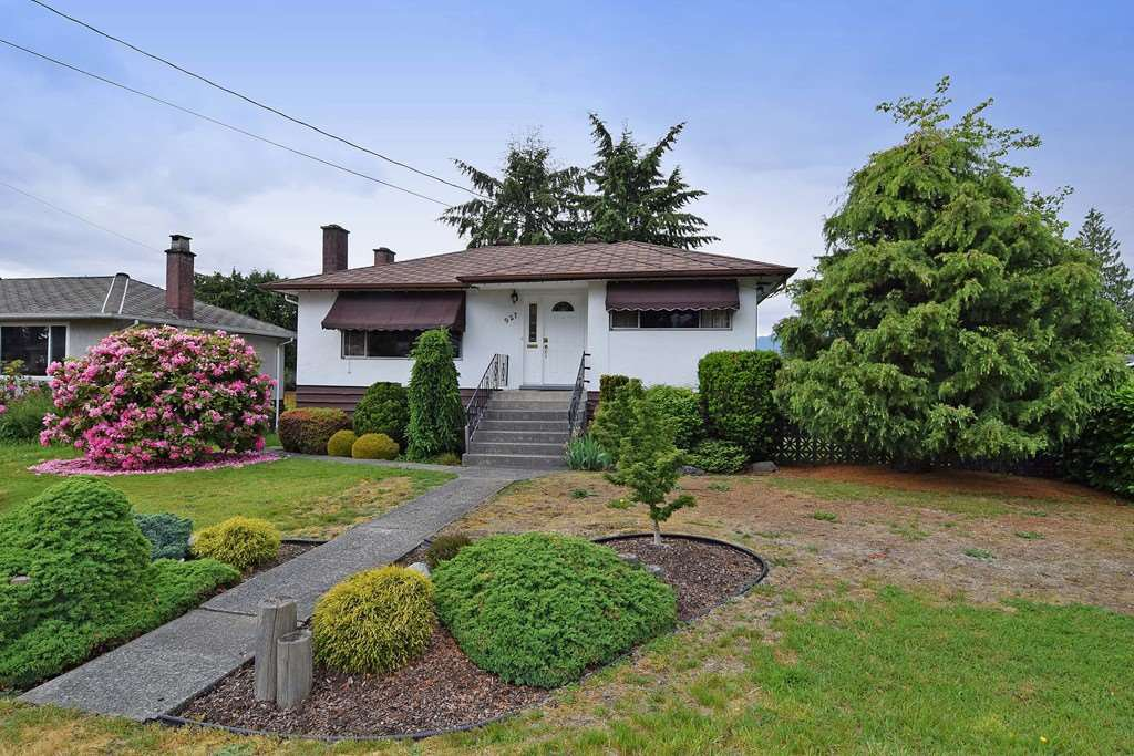 Main Photo: 927 SMITH Avenue in Coquitlam: Coquitlam West House for sale : MLS®# R2072797