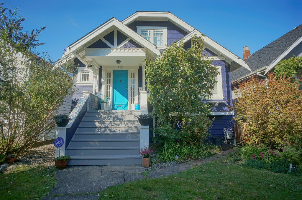 Main Photo: 2211 GRANT Street in Vancouver: Grandview VE House for sale (Vancouver East)  : MLS®# R2121184