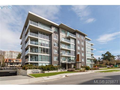 Main Photo: 304 200 Douglas St in VICTORIA: Vi James Bay Condo for sale (Victoria)  : MLS®# 756588
