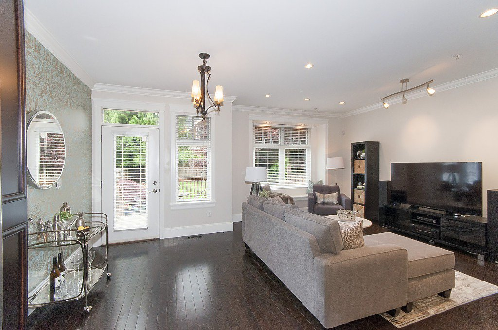 Photo 16: Photos: 2349 W 8TH Avenue in Vancouver: Kitsilano House 1/2 Duplex for sale (Vancouver West)  : MLS®# R2180429