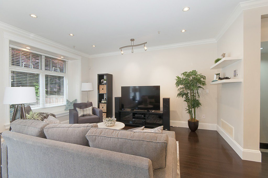 Photo 17: Photos: 2349 W 8TH Avenue in Vancouver: Kitsilano House 1/2 Duplex for sale (Vancouver West)  : MLS®# R2180429