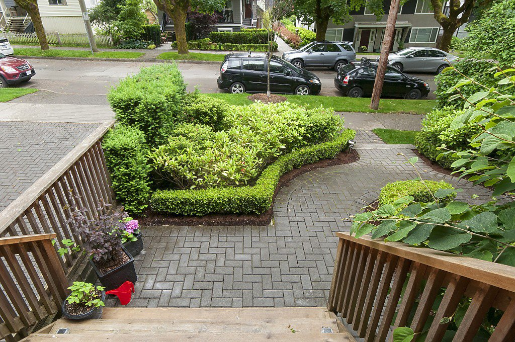 Photo 3: Photos: 2349 W 8TH Avenue in Vancouver: Kitsilano House 1/2 Duplex for sale (Vancouver West)  : MLS®# R2180429