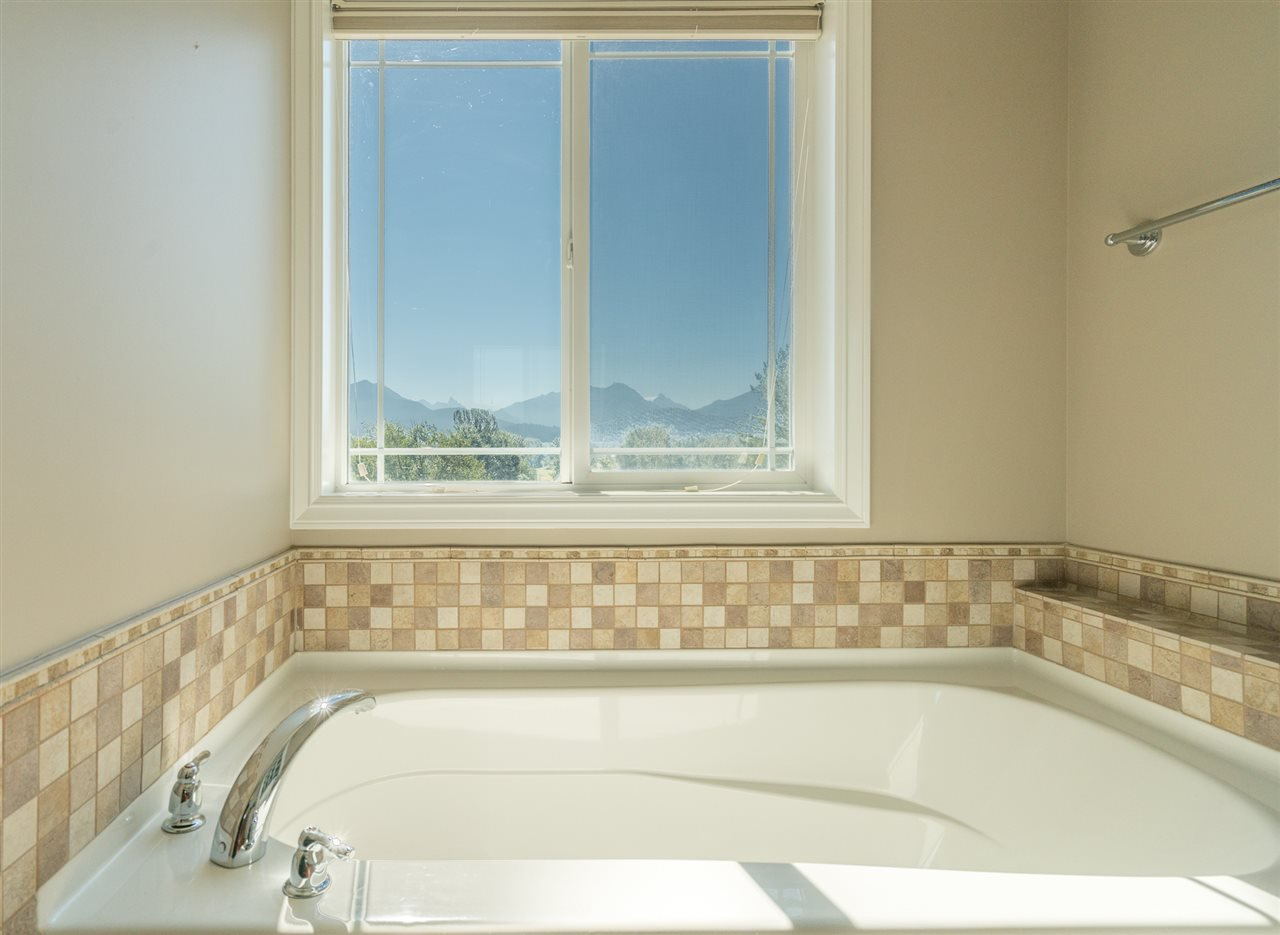 Photo 18: Photos: 8675 SUNBURST Place in Chilliwack: Chilliwack Mountain House for sale : MLS®# R2194271