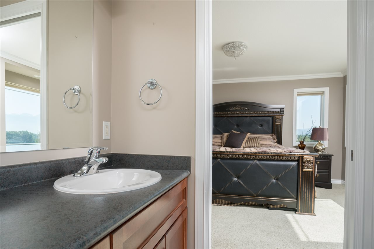 Photo 17: Photos: 8675 SUNBURST Place in Chilliwack: Chilliwack Mountain House for sale : MLS®# R2194271
