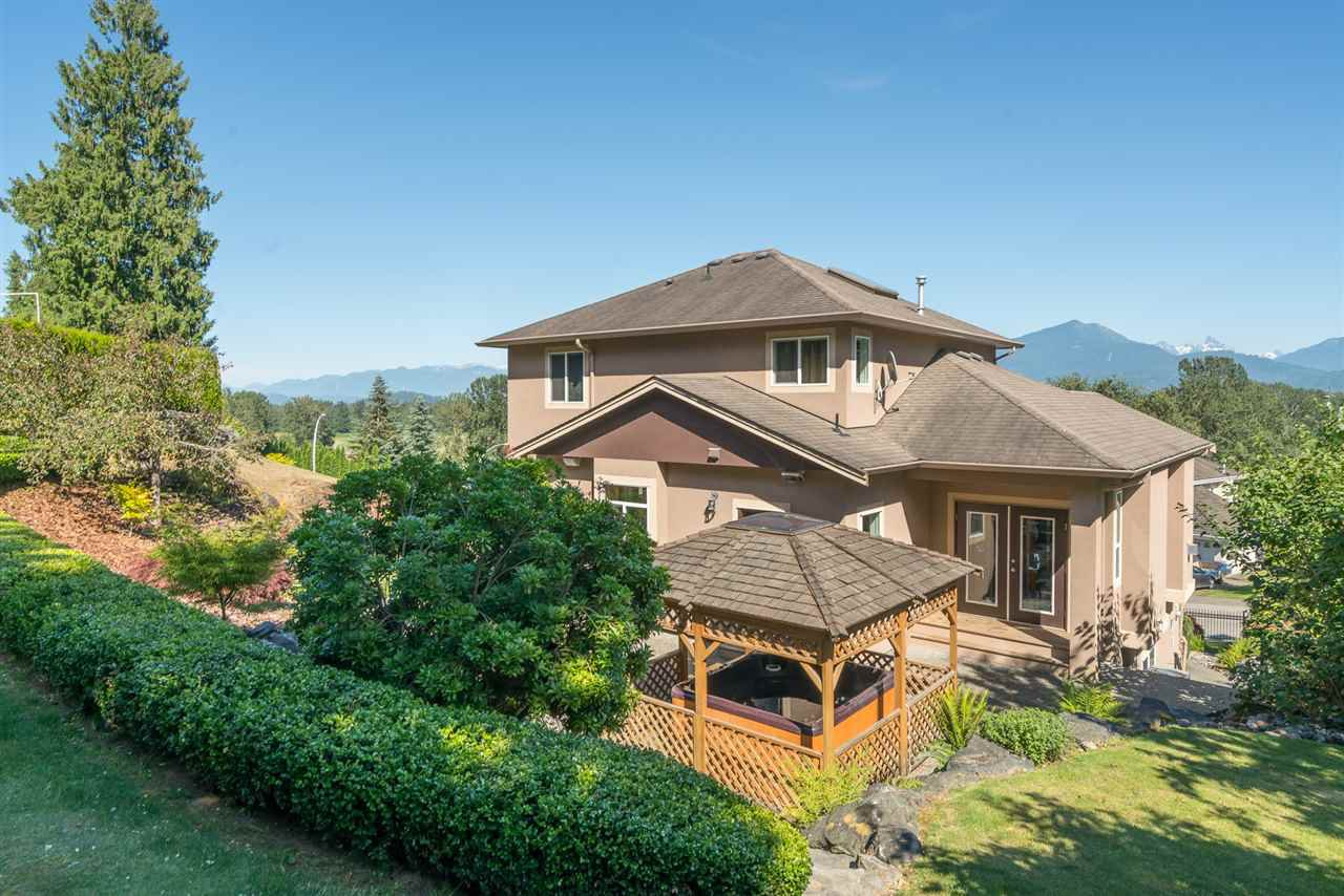 Photo 6: Photos: 8675 SUNBURST Place in Chilliwack: Chilliwack Mountain House for sale : MLS®# R2194271