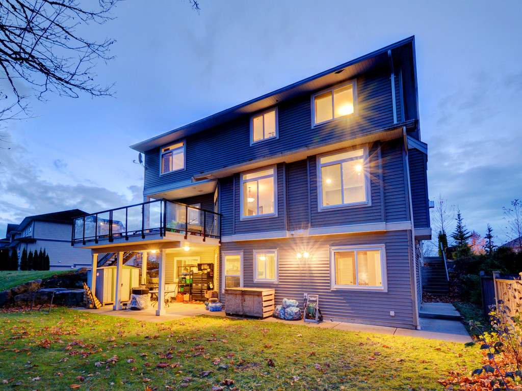 "Photo 4: Photos: 3998 CAVES Court in Abbotsford: Abbotsford East House for sale in ""SANDY HILL"" : MLS®# R2222568"