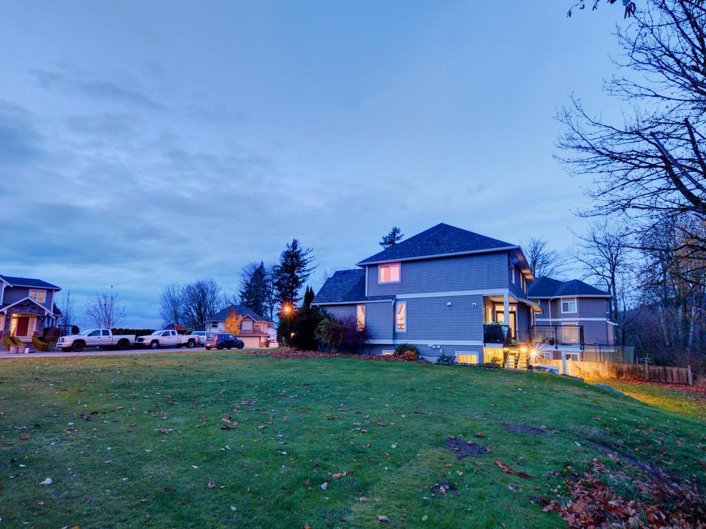 "Photo 12: Photos: 3998 CAVES Court in Abbotsford: Abbotsford East House for sale in ""SANDY HILL"" : MLS®# R2222568"
