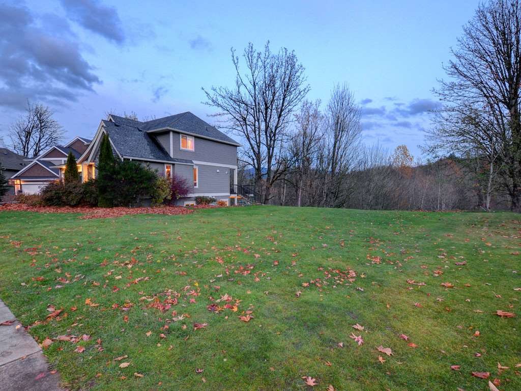 "Photo 3: Photos: 3998 CAVES Court in Abbotsford: Abbotsford East House for sale in ""SANDY HILL"" : MLS®# R2222568"