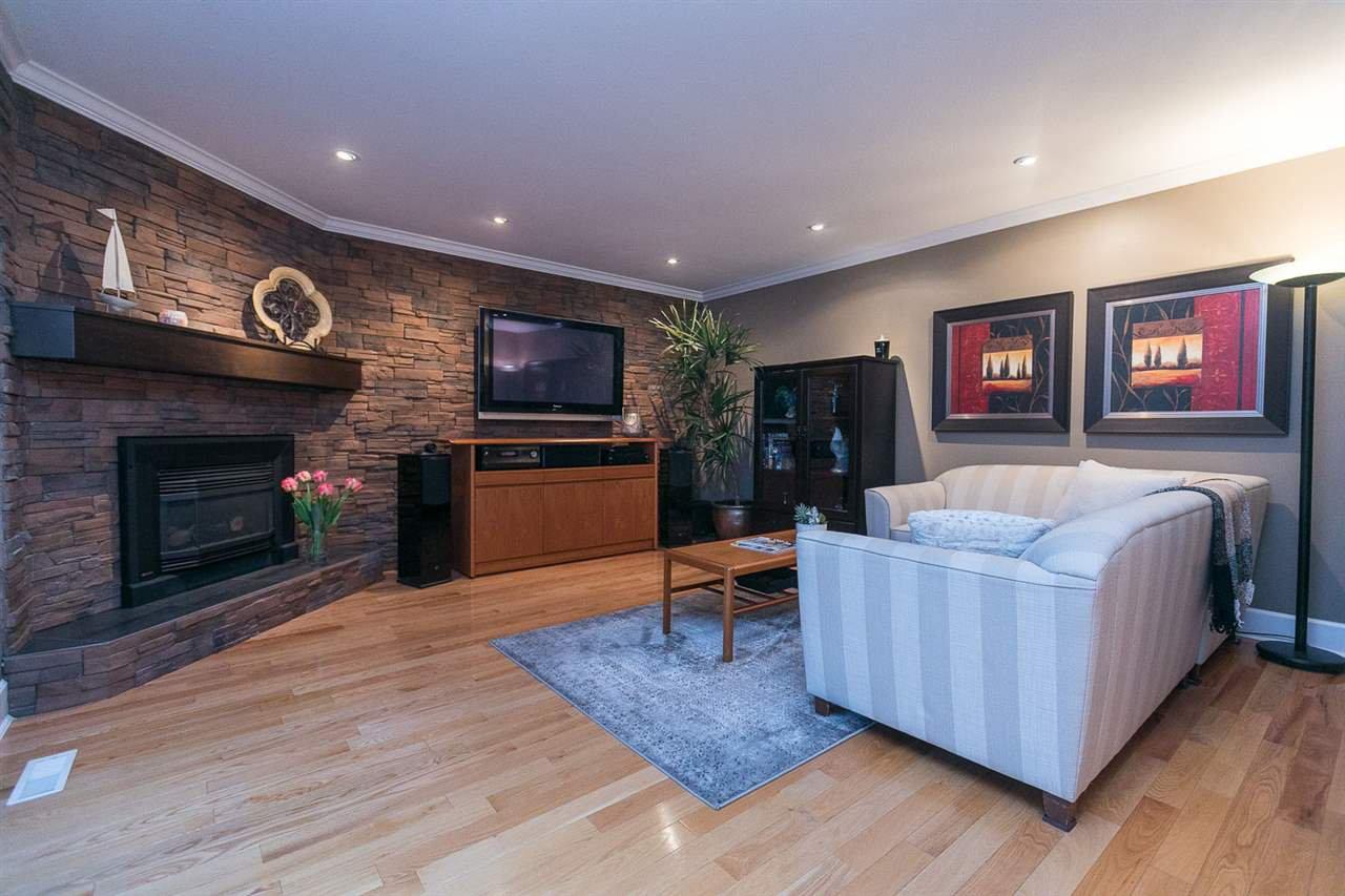 "Photo 6: Photos: 10550 DUNLOP Road in Delta: Nordel House for sale in ""Delsom Village"" (N. Delta)  : MLS®# R2269796"