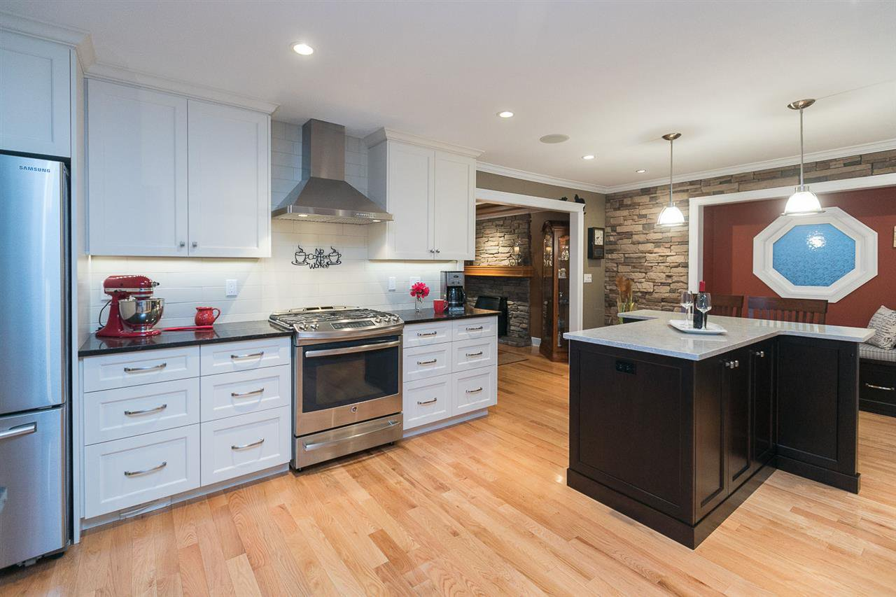 "Photo 3: Photos: 10550 DUNLOP Road in Delta: Nordel House for sale in ""Delsom Village"" (N. Delta)  : MLS®# R2269796"