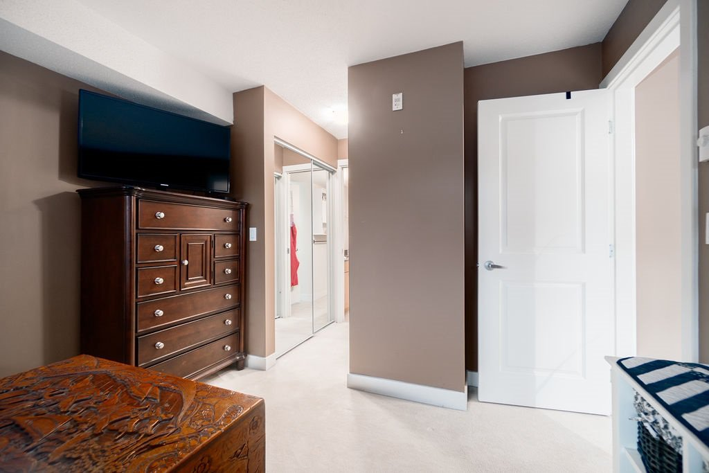 "Photo 11: Photos: 210 12020 207A Street in Maple Ridge: Northwest Maple Ridge Condo for sale in ""WESTBROOKE"" : MLS®# R2326157"