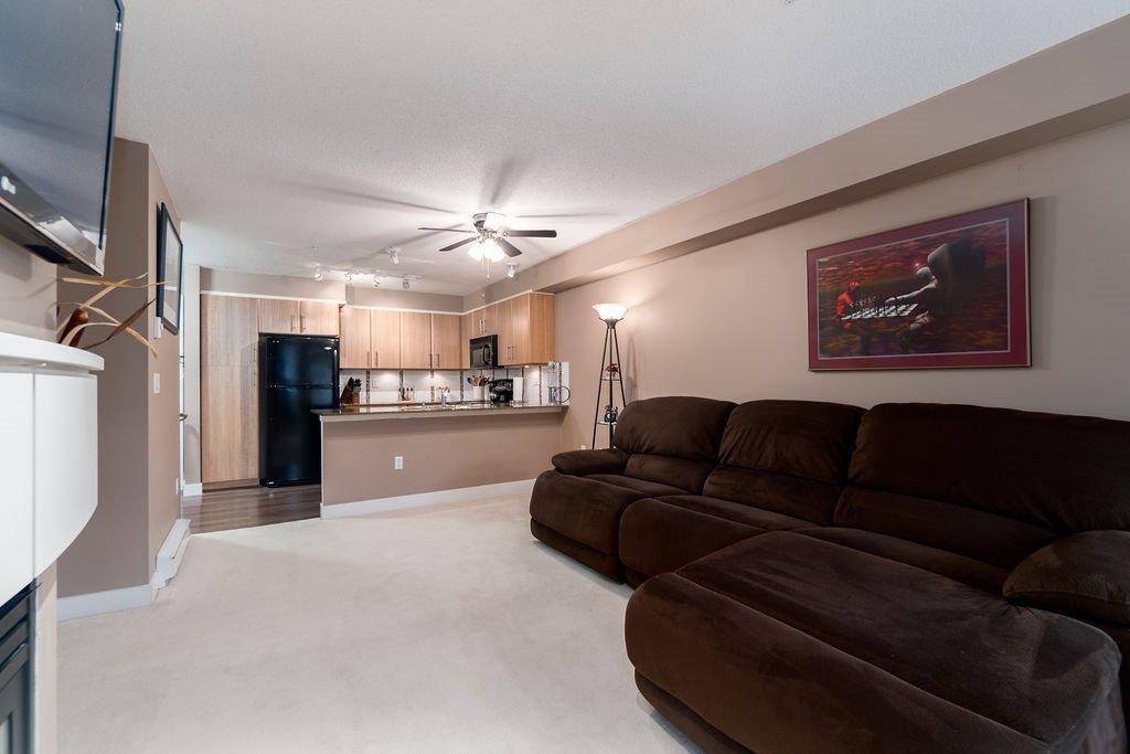 "Photo 6: Photos: 210 12020 207A Street in Maple Ridge: Northwest Maple Ridge Condo for sale in ""WESTBROOKE"" : MLS®# R2326157"