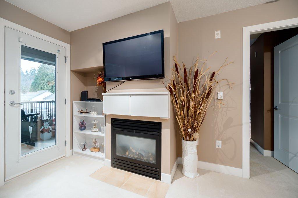 "Photo 8: Photos: 210 12020 207A Street in Maple Ridge: Northwest Maple Ridge Condo for sale in ""WESTBROOKE"" : MLS®# R2326157"