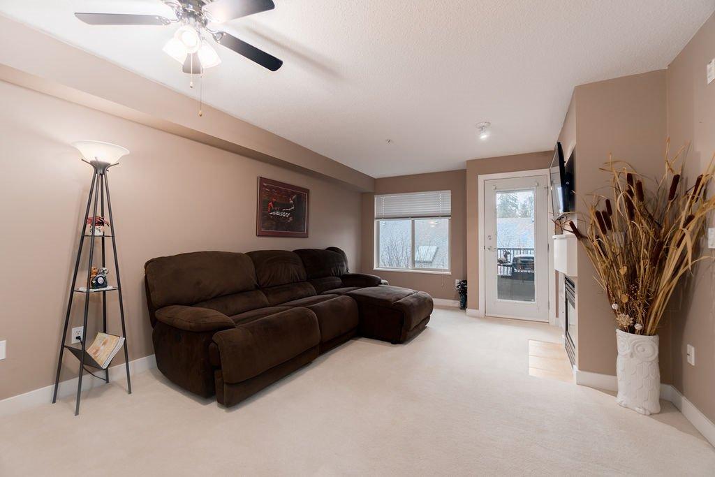"Photo 7: Photos: 210 12020 207A Street in Maple Ridge: Northwest Maple Ridge Condo for sale in ""WESTBROOKE"" : MLS®# R2326157"