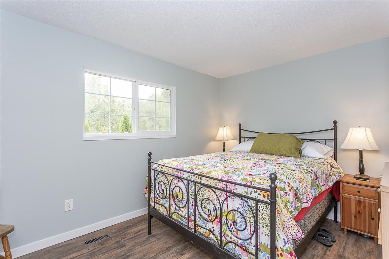 Photo 11: Photos: 1832 KEYS Place in Abbotsford: Central Abbotsford House for sale : MLS®# R2331325