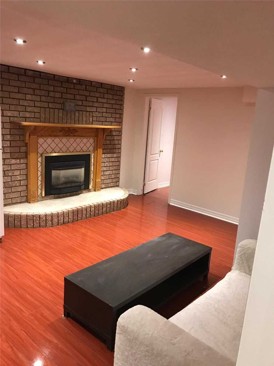 Main Photo: Lower 4663 Crosswinds Drive in Mississauga: East Credit House (2-Storey) for lease : MLS®# W4359453